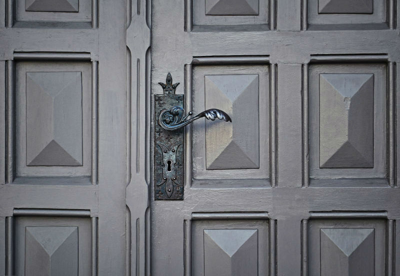 Cagnes sur Mer : protégeons nos biens immobiliers avec une porte blindée