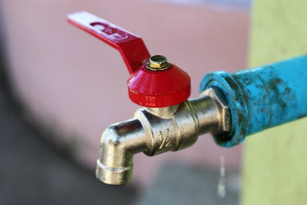 Infiltration d'eau chez moi : comment réagir ?